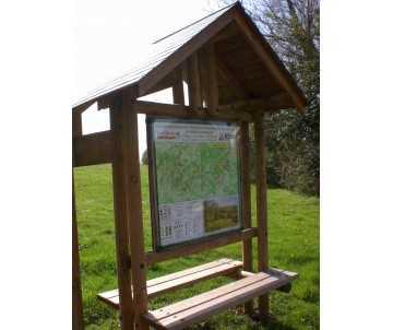 Panneau d'information extérieur en bois fabriqué en France par CIHB