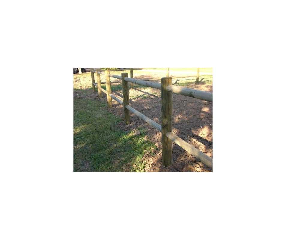 Clôture en bois deux lisses à emboîter, fabrication française par CIHB. Bois certifié PEFC et traitement autoclave classe IV