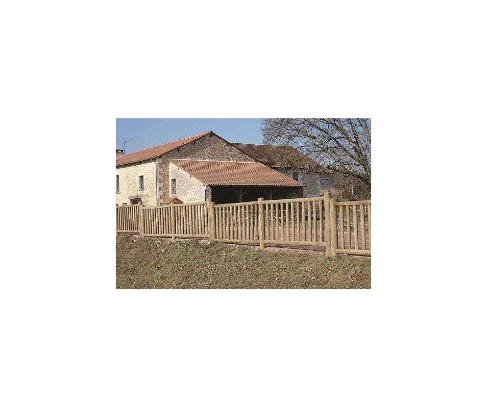 Clôture en bois à barreaudages fabriquée en France par CIHB