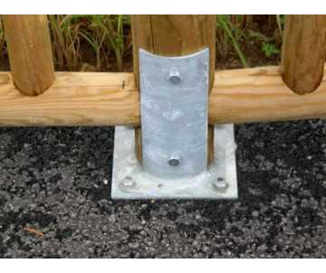 Clôture en bois à barreaux sur sabot à visser-bois certifié PEFC; taritement autoclave classe IV par CIHB