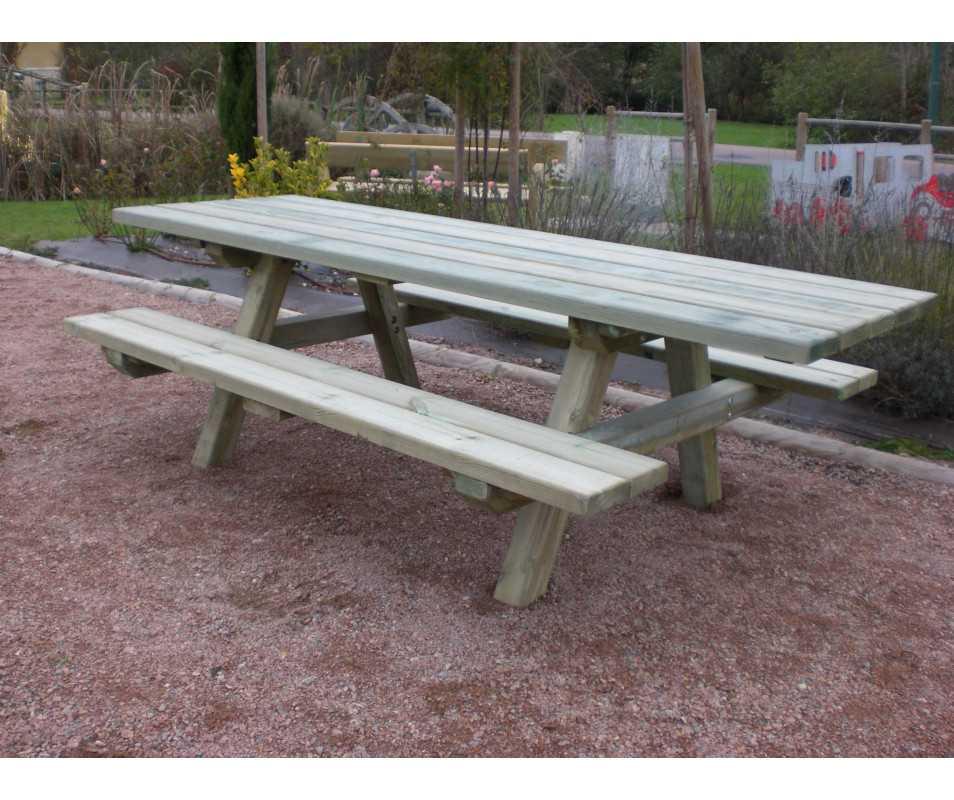 table de pique-nique en bois pour personnes à mobilité réduite (PMR), fabriquée en France par CIHB